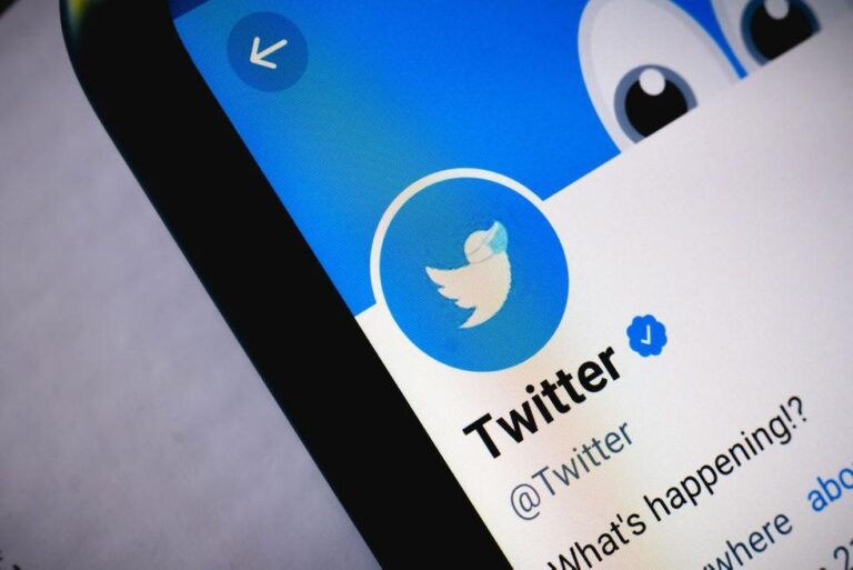 Businessman Frank Giustras lawsuit against Twitter can